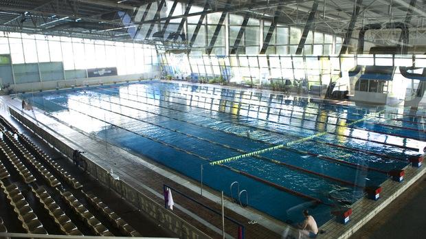 """Плувният басейн """"Спартак"""", който е с олимпийски размери"""