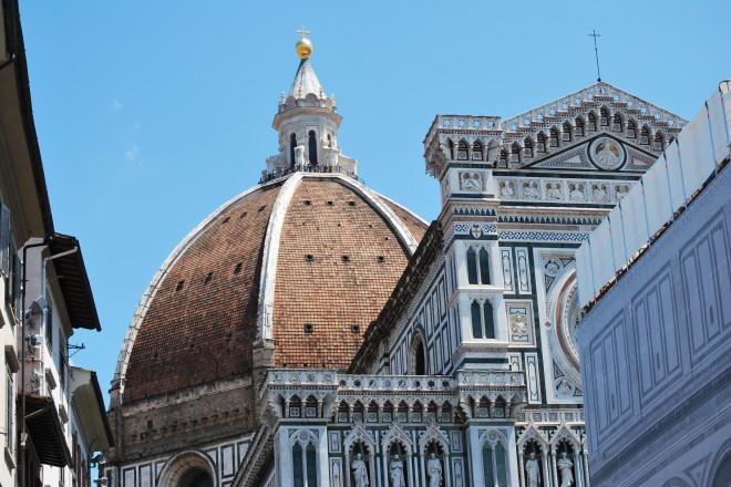 """Куполът на централната катедрала """"Дуомо"""""""