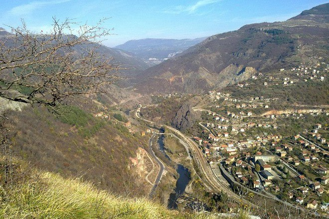 Гледка към село Бов, община Своге, по време на един от велопреходите в района.