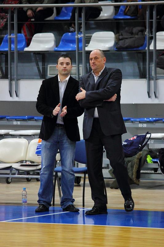 Росен Барочвски (вдясно) заедно с Людмил Хаджисотиров, който му помагаше в Рилски спортист през последния сезон.
