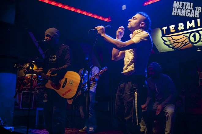 """В """"Terminal 1"""" na 23-ти ноември, когато свирят на една сцена с Everlast."""