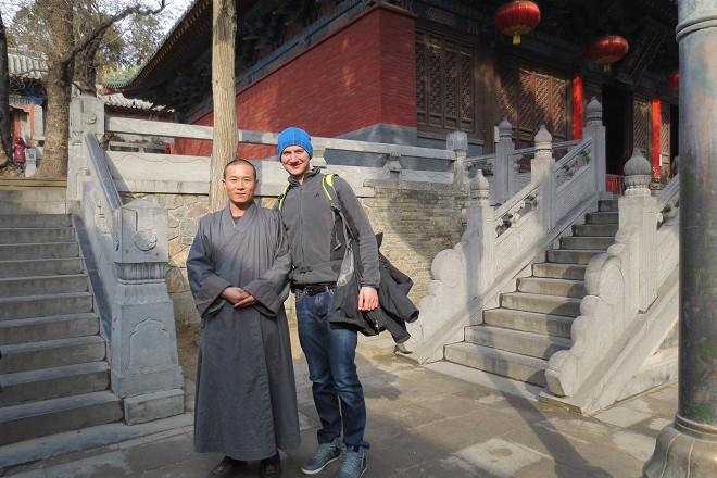 Кристиан с монах от Шаолин.