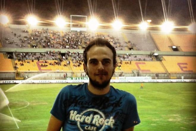 Алесио Амато не изпуска нито една новина около футболния Лече, а познанията му за играта са енциклопедични.