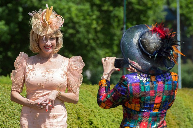 Ladies Day hat competition in Hoppegarten