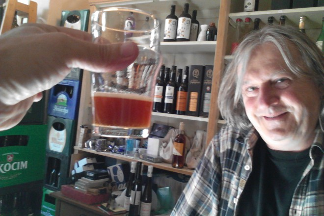 Райнер Валисер работи с българка, на която предстои дипломиране в Берлин, но обеща да варим заедно бира в София
