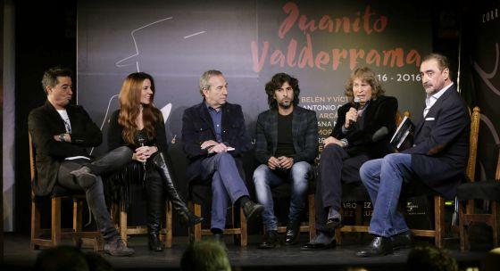 Част от участниците - Арканхел (в средата) и Хосе Мерсе (вдясно)