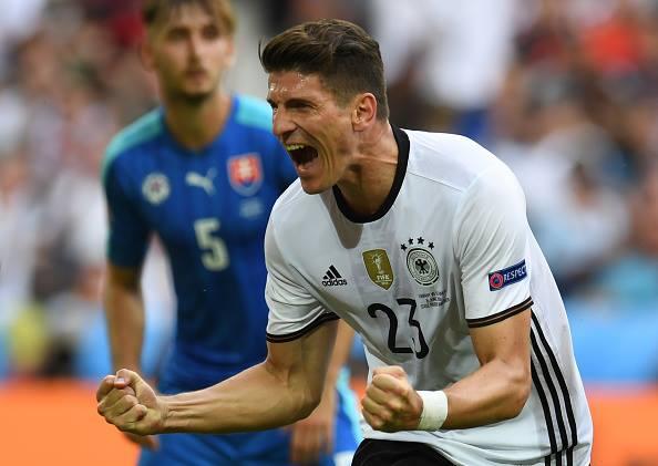 Марио Гомес се завърна с голове - една от причините, заради които Германия трябва да бие Италия.