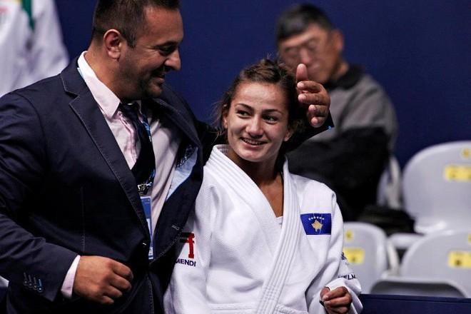 Майлинда и нейният треньор Дритон Кука.
