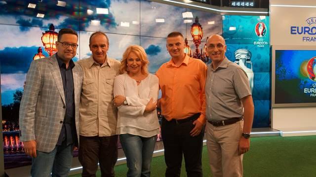 Станил Йотов бе един от гост-коментаторите по време на Европейското първенство във Франция в ефира на БНТ.