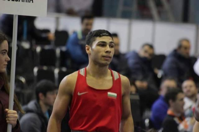 Даниел Асенов е един от най-обещаващите ни боксьори.