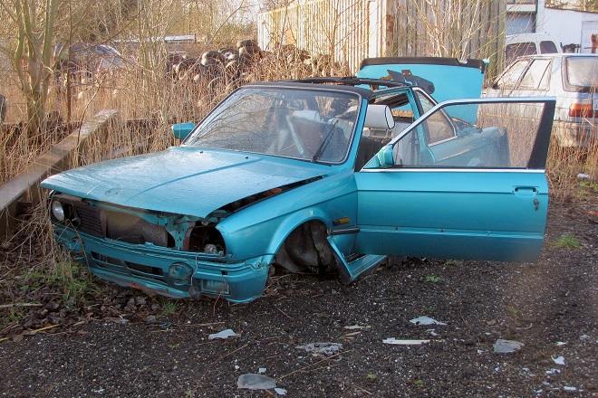 car-1472248_1920