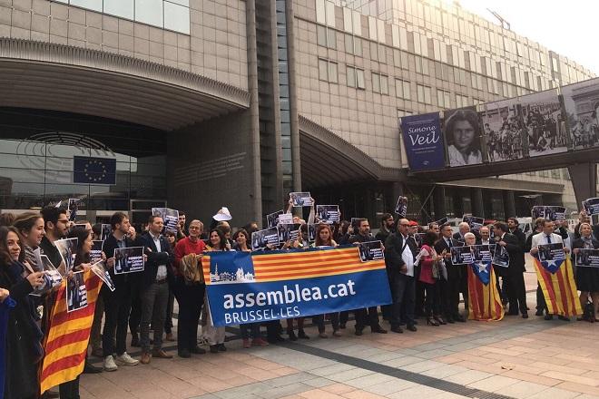 Демонстрация за каталунската кауза пред Европейската комисия в Брюксел - сн. Шави Корал.