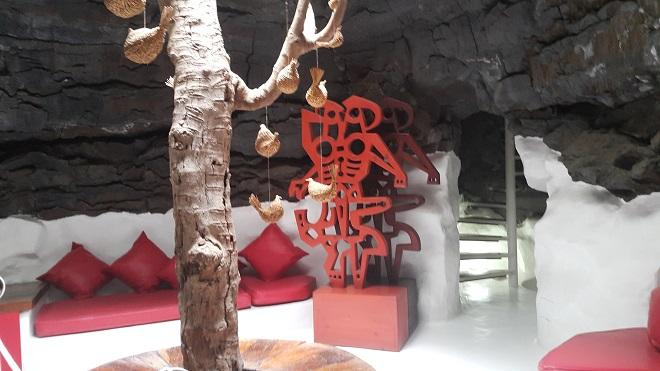 """Къщата на Манрике е построена върху няколко """"мехура""""."""