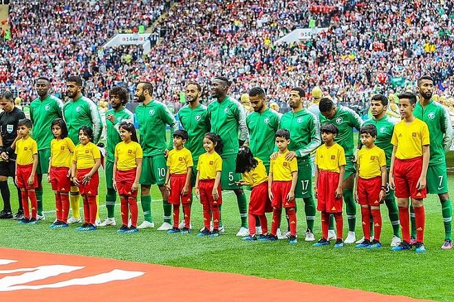 """Отборът на Саудитска Арабия преди откриващия мач на """"Лужники""""."""