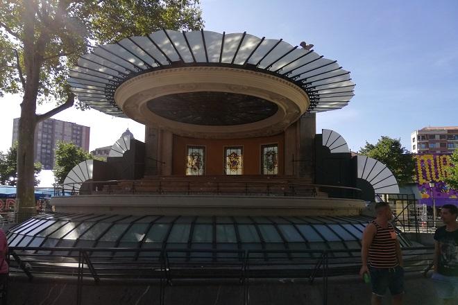 Киоск в парка до кметството на Билбао